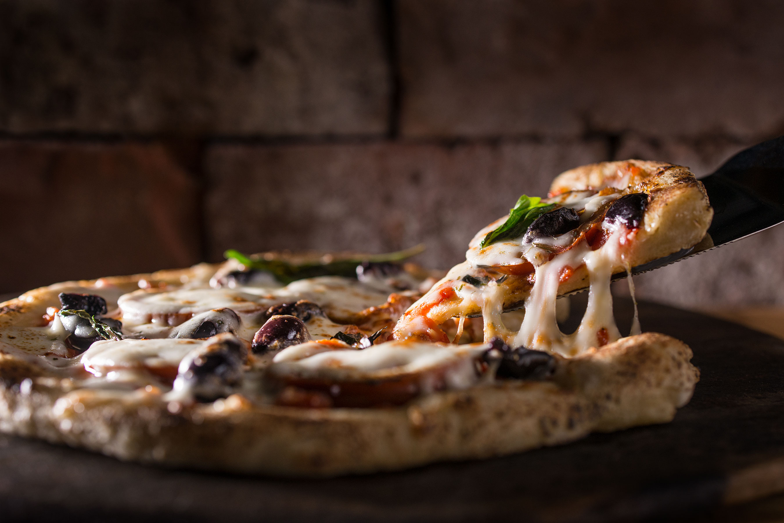 Pizza Pull | Steve Hansen Images Seattle Food Photographer